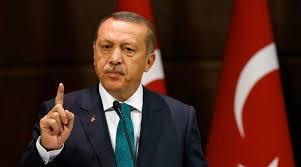Turquia determina demissão de 4 mil funcionários públicos e bloqueia Wikipedia