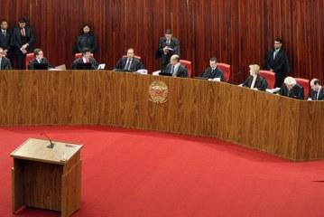 Com troca de farpas, ministros do TSE encerram segunda sessão de julgamento