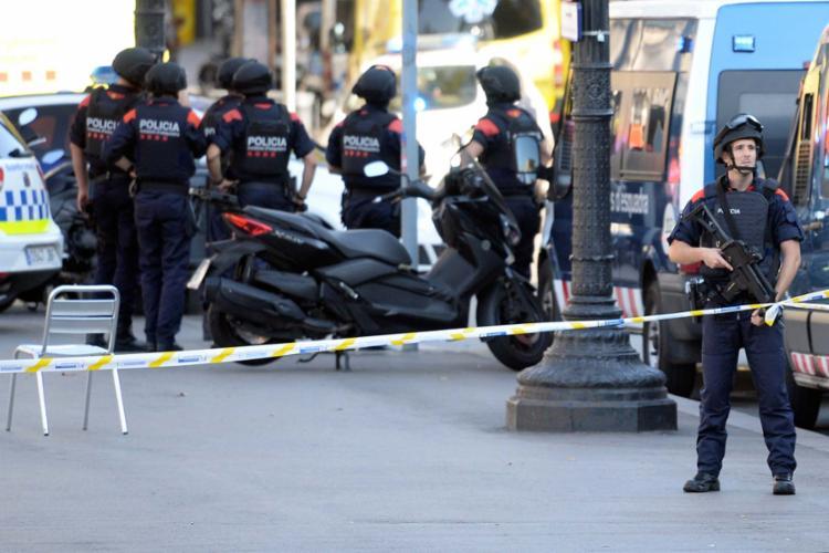 Atentado deixa mortos e feridos em Barcelona; baiano relata clima tenso