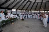 Prefeita de Lauro de Freitas anuncia reforma do terminal turístico durante homenagem aos guardiões do culto afro