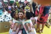 Alex Simões levando alegria para as crianças do Parque São Paulo