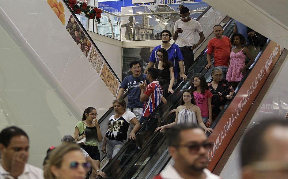 c70c48ad1 Shoppings oferecem até 80% em descontos a partir de hoje  confira ofertas