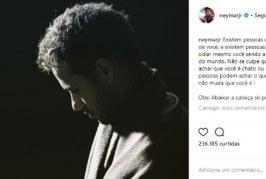 Alvo de críticas da imprensa internacional, Neymar dispara: 'Abaixar a cabeça só para orar'