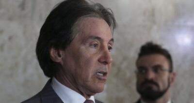 Temer assinou projeto que libera R$ 2 bi para prefeituras, informa Eunício