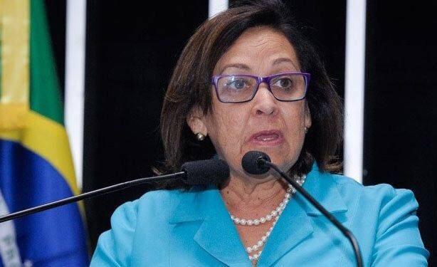 Políticos baianos reagem a desistência de Barbosa