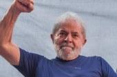 Artistas se reúnem para criar livro 'Lula Livre'