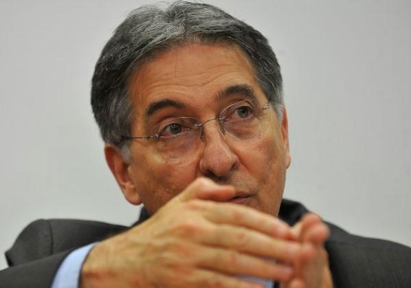 Haddad vai assinar indulto para Lula no primeiro dia de governo, diz Pimentel