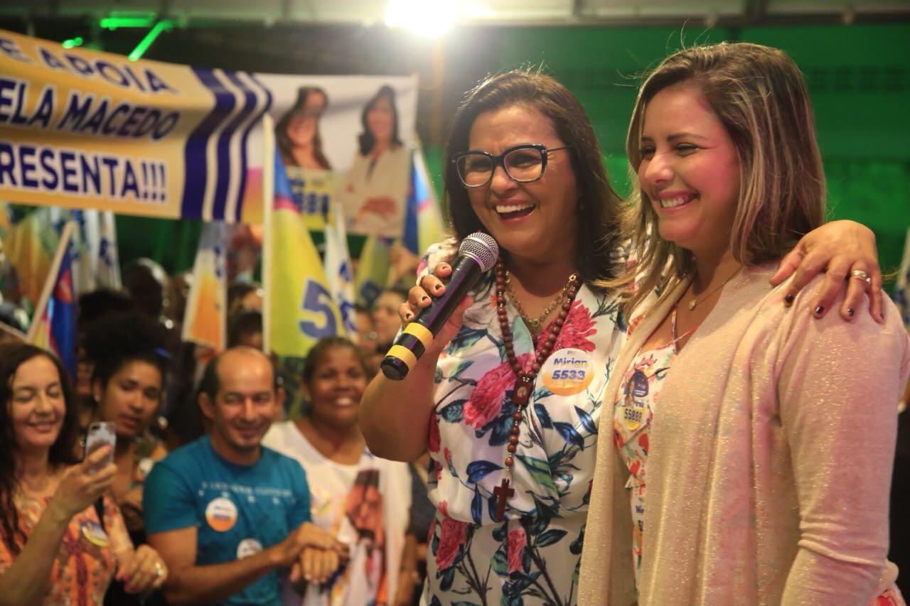 Em noite gloriosa, Mirian e Mirela lançam oficialmente suas campanhas em Lauro de Freitas