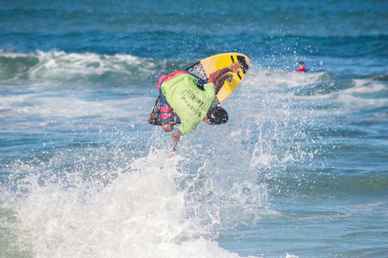 Praia do Surf em Lauro de Freitas sedia Copa Nordeste de Skimboard no feriadão da Independência