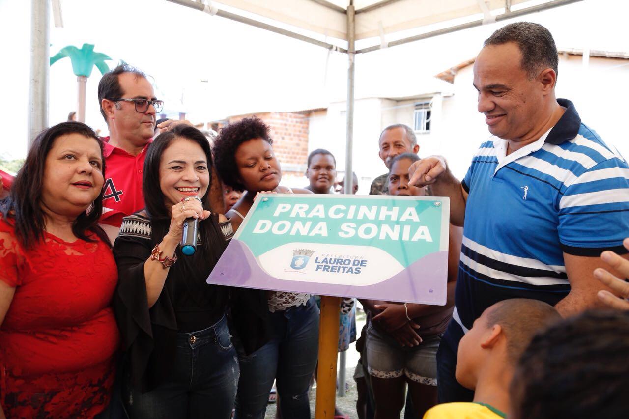 Moema entrega parquinhos e assina ordem de serviço para pavimentação de ruas em Itinga