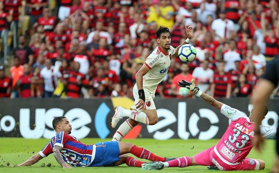 Bahia recebe o Flamengo em dia de estreia de novo uniforme