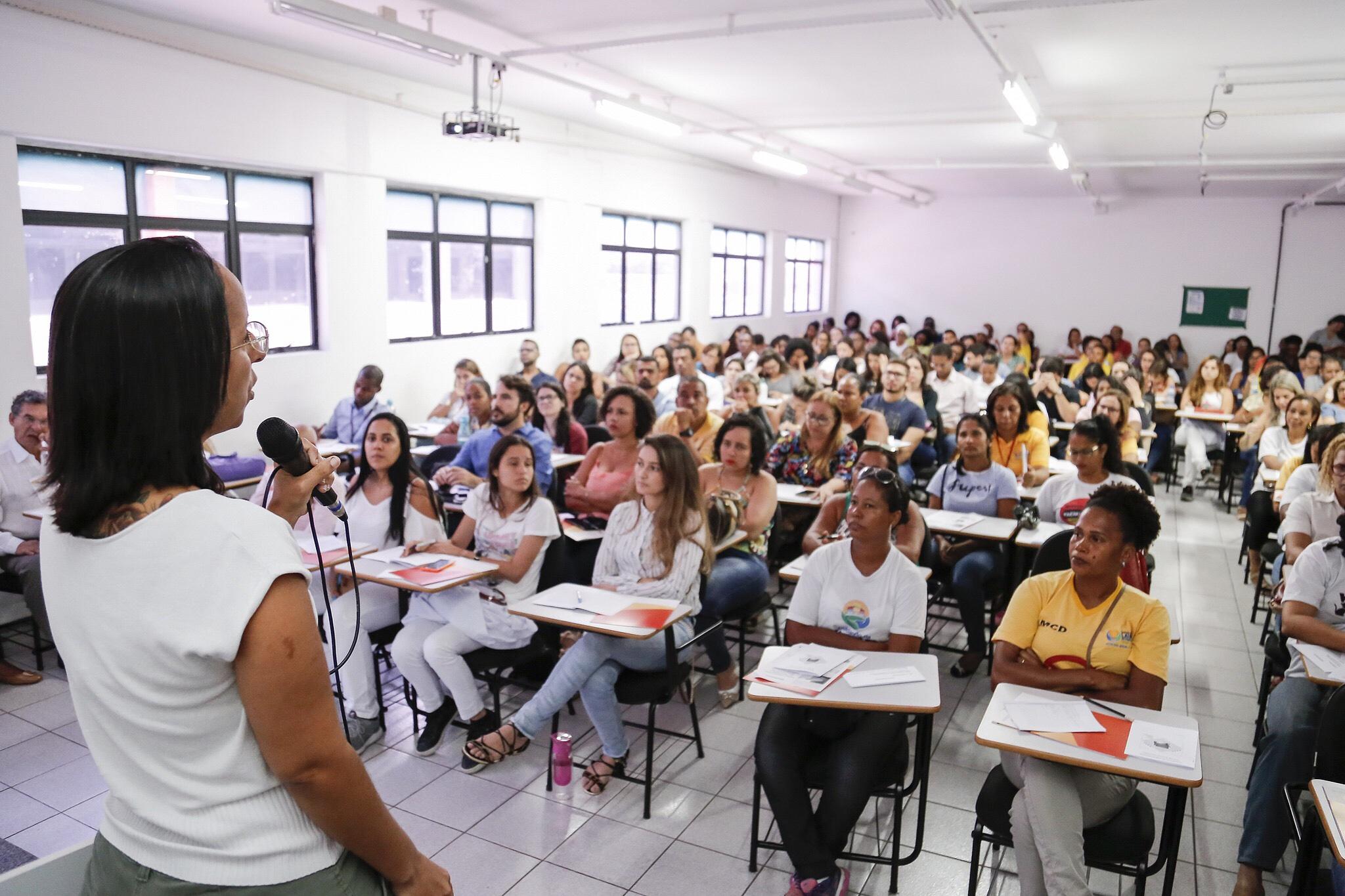 Saúde de Lauro de Freitas debate prevenção e controle de Esporotricose