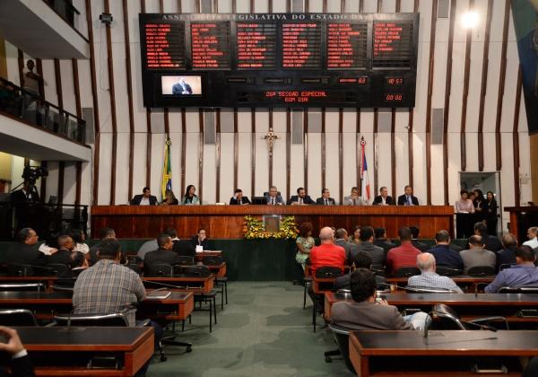 Governo estuda reforma econômica para enviar à Assembleia Legislativa