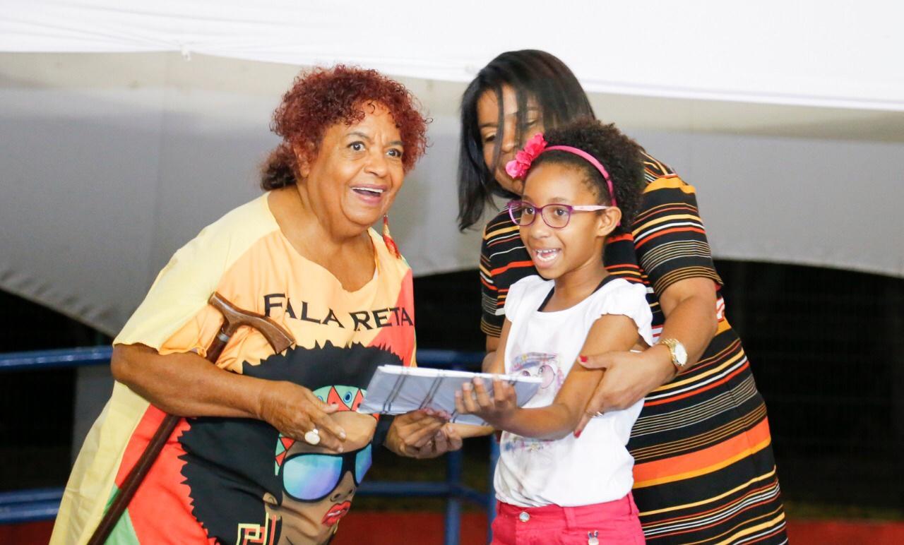 Mulheres em Cena premia trabalhos artísticos de estudantes de Lauro de Freitas