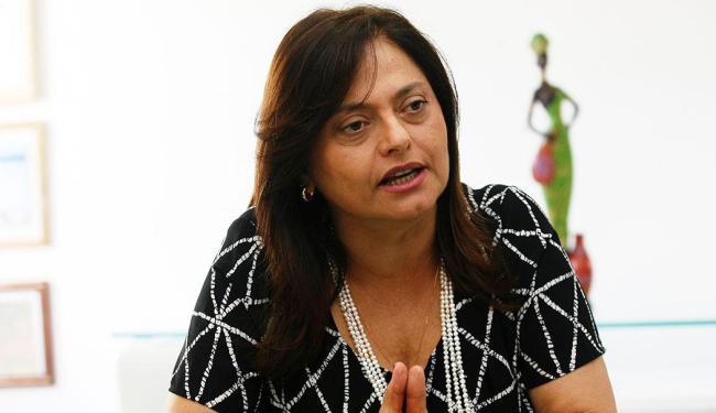 Alice protesta contra novo regime de trabalho fora da lei anunciado por Bolsonaro