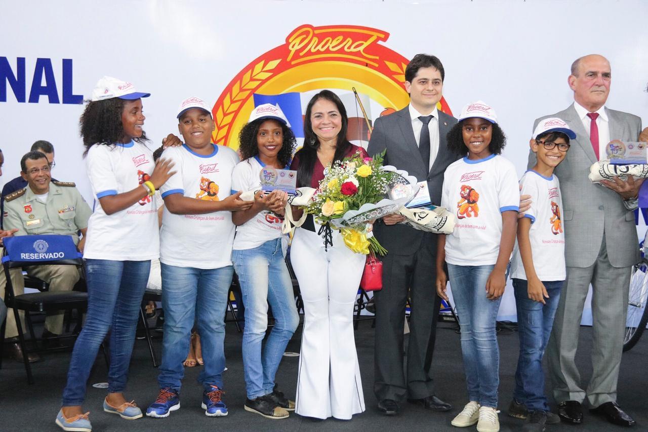 Proerd comemora 15 anos de ação educativa contra as drogas e a violência na Bahia