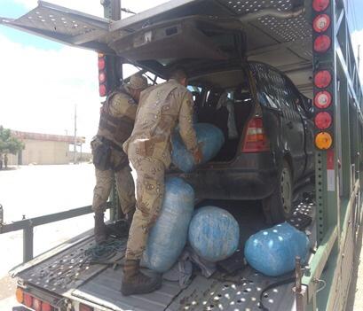 Polícia apreende meio milhão de reias de maconha em caminhão-cegonha