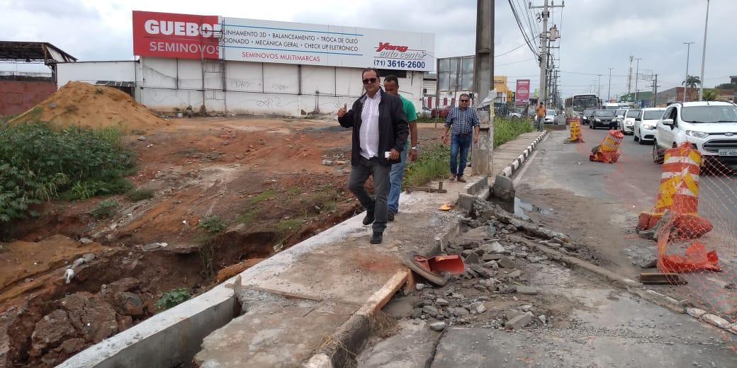 Secretário da Seinfra e equipe verificam obras em Lauro de Freitas