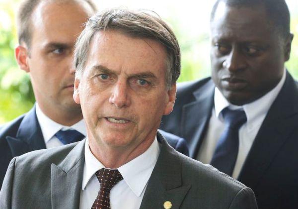 Bolsonaro recebe MDB, PRB, PR e PSDB nesta terça-feira (4)
