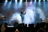 Vídeo mostra banda sendo arrastada por tsunami na Indonésia