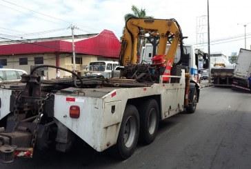 Após acidente, Settop age rápido, guincha caminhões e libera via