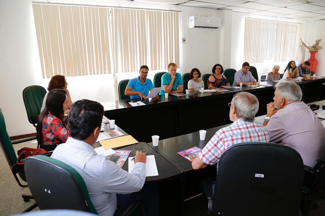 Moema recebe moradores de bairros de Lauro de Freitas que apresentaram suas demandas