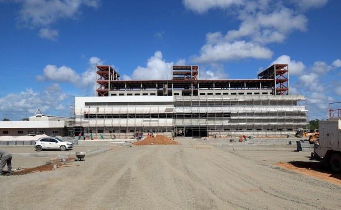 Obras do Hospital Metropolitano em Lauro de Freitas seguem em ritmo acelerado