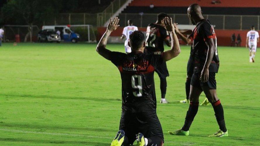 Buscando o primeiro triunfo na Copa do Nordeste, Vitória enfrenta o Botafogo-PB no Barradão