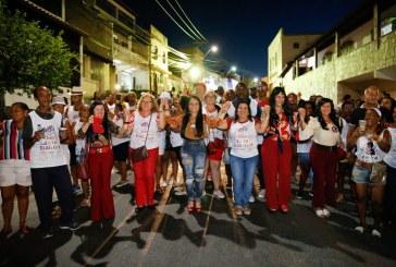 Blocos ocupam o circuito e arrastam multidão em Lauro de Freitas