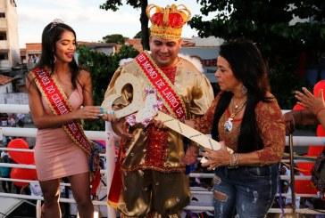 Moema entrega chave da cidade e abre oficialmente o Carnaval de Todos os Santos