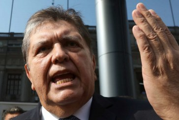 Ex-presidente do Peru morre após dar tiro na cabeça ao ser preso