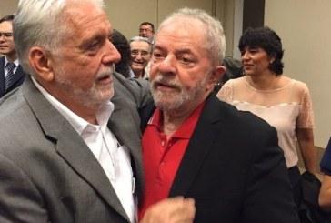 Wagner assina carta em defesa do regime semiaberto de Lula