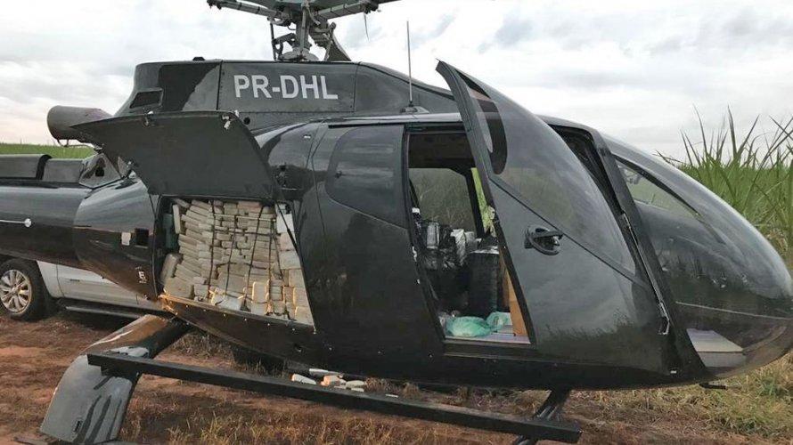 PF apreende meia tonelada de cocaína em helicóptero avaliado em R$ 4 milhões