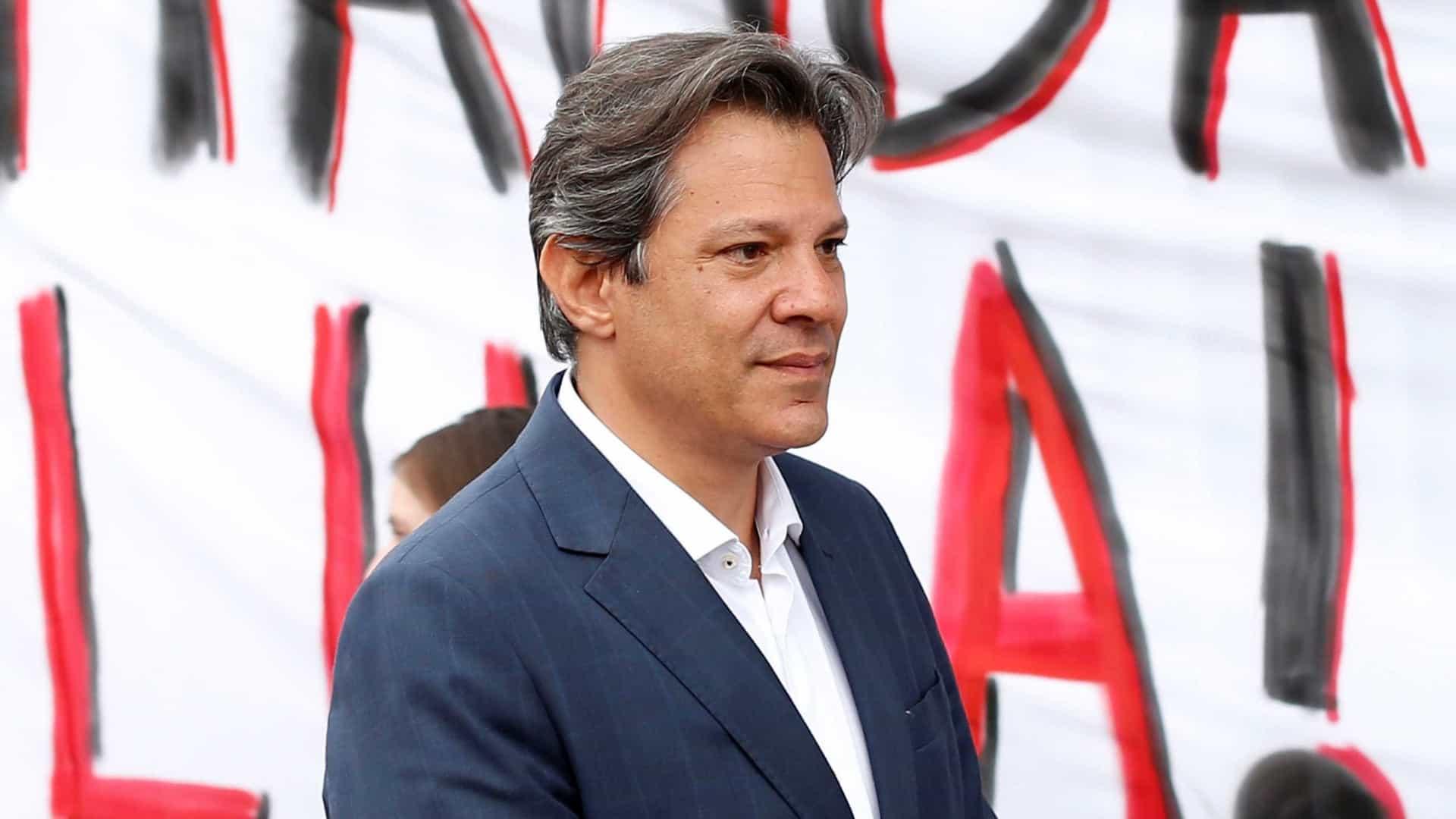 Haddad: Bolsonaro segue agenda de Temer, com cortes de direitos