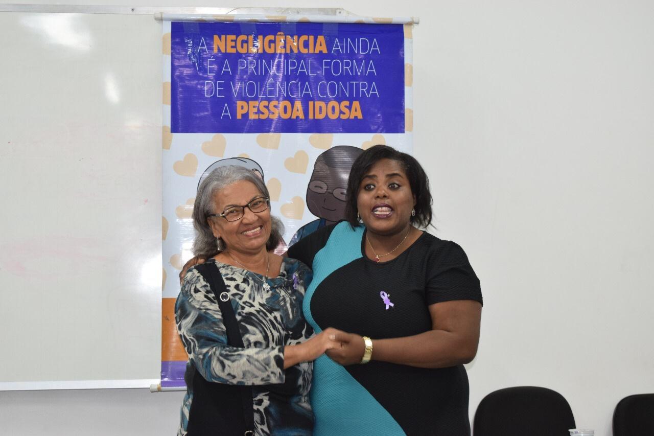 Junho Violeta: Lauro de Freitas conscientiza sobre violência contra o idoso