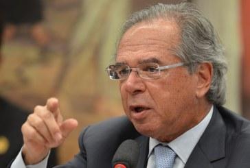 Divulgação de mensagens pretende paralisar reformas, diz Guedes