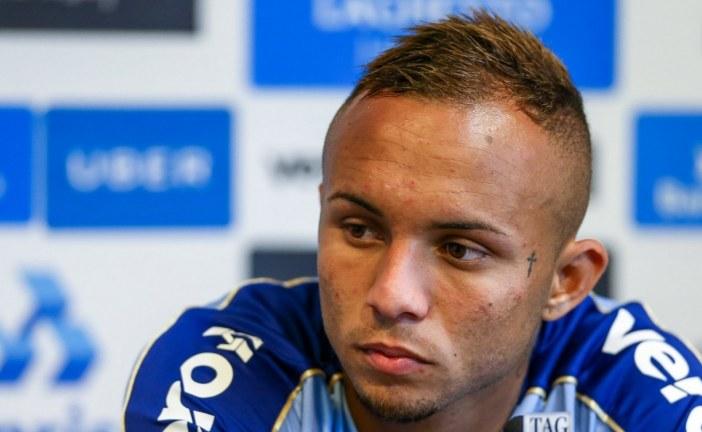Com futuro incerto no Grêmio, Everton é confirmado em jogo contra o Bahia