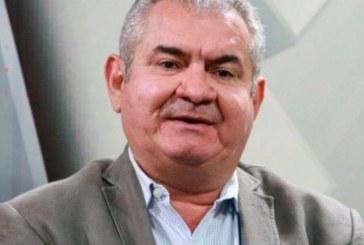 Coronel é vaiado durante posse da mesa diretora da Associação Comercial da Bahia, após criticar a Operação Lava Jato