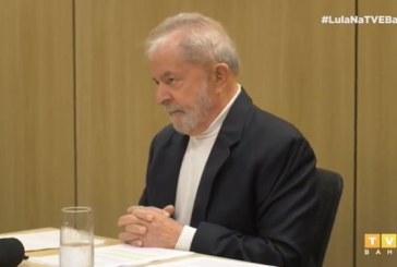"""Para Lula, governo Bolsonaro faz """"palhaçadas"""" e quer tornar Brasil """"vassalo"""" dos EUA"""