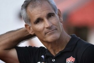 Sem comando! Técnico do Vitória cai após derrota rubro-negra para o São Bento