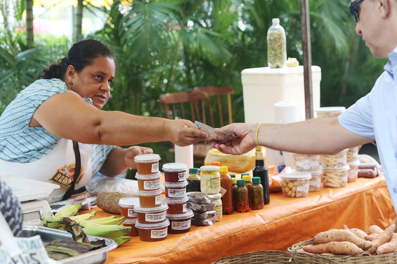 Feiras Agroecológicas trazem produtos da agricultura familiar para a capital