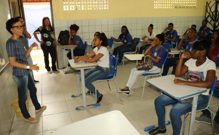 Estudantes da rede estadual em toda a Bahia participam de avaliação de Língua Portuguesa e Matemática