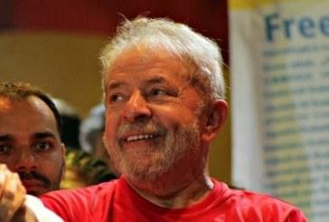 Lula completa 74 anos neste domingo (27); Salvador tem missa e carreata em homenagem a ex-presidente