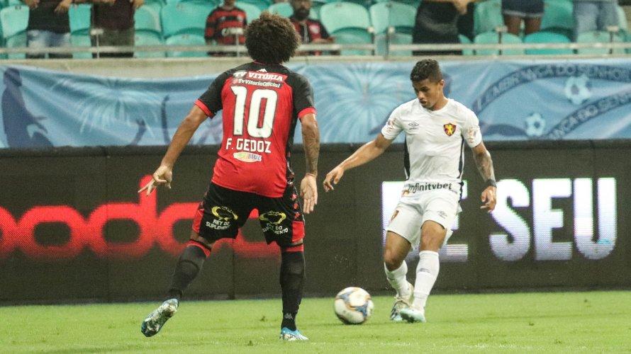 Vitória leva gol no último minuto, empata com o Sport e segue no Z-4