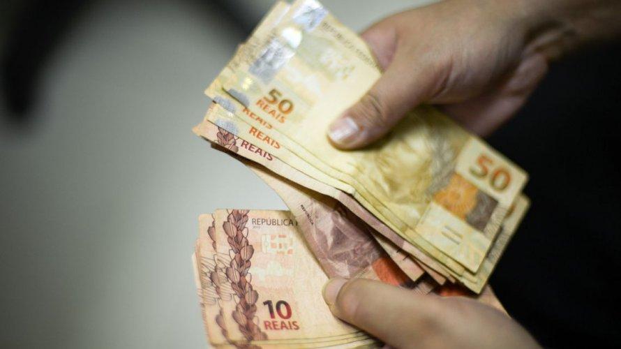 Congresso aprova LDO de 2020 e estima salário mínimo de R$ 1.040