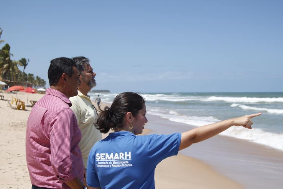 Prefeitura de Lauro de Freitas atenta para as manchas de óleo que afetam o Litoral