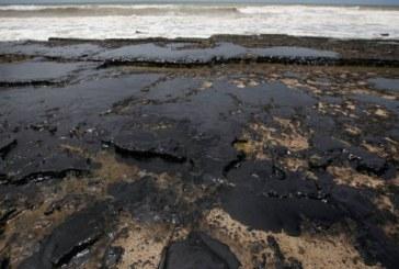 Navio grego Bouboulina é o responsável pelo vazamento de óleo, diz site
