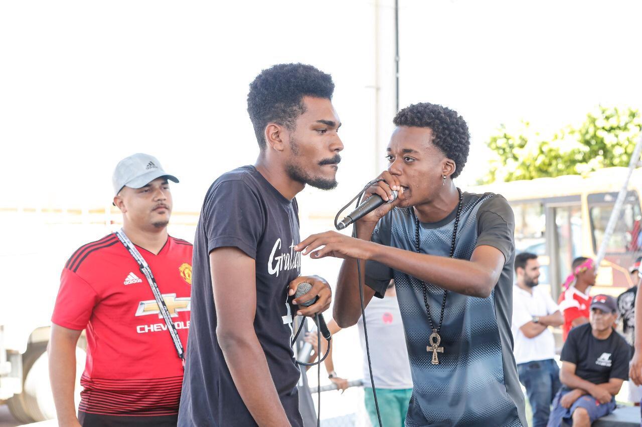 Estudantes e comunidade ocupam a Estação Cidadania de Lauro de Freitas
