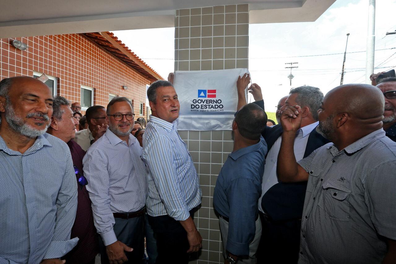 Em Camaçari, Rui entrega Centro de Atenção Psicossocial e Unidade Básica de Saúde
