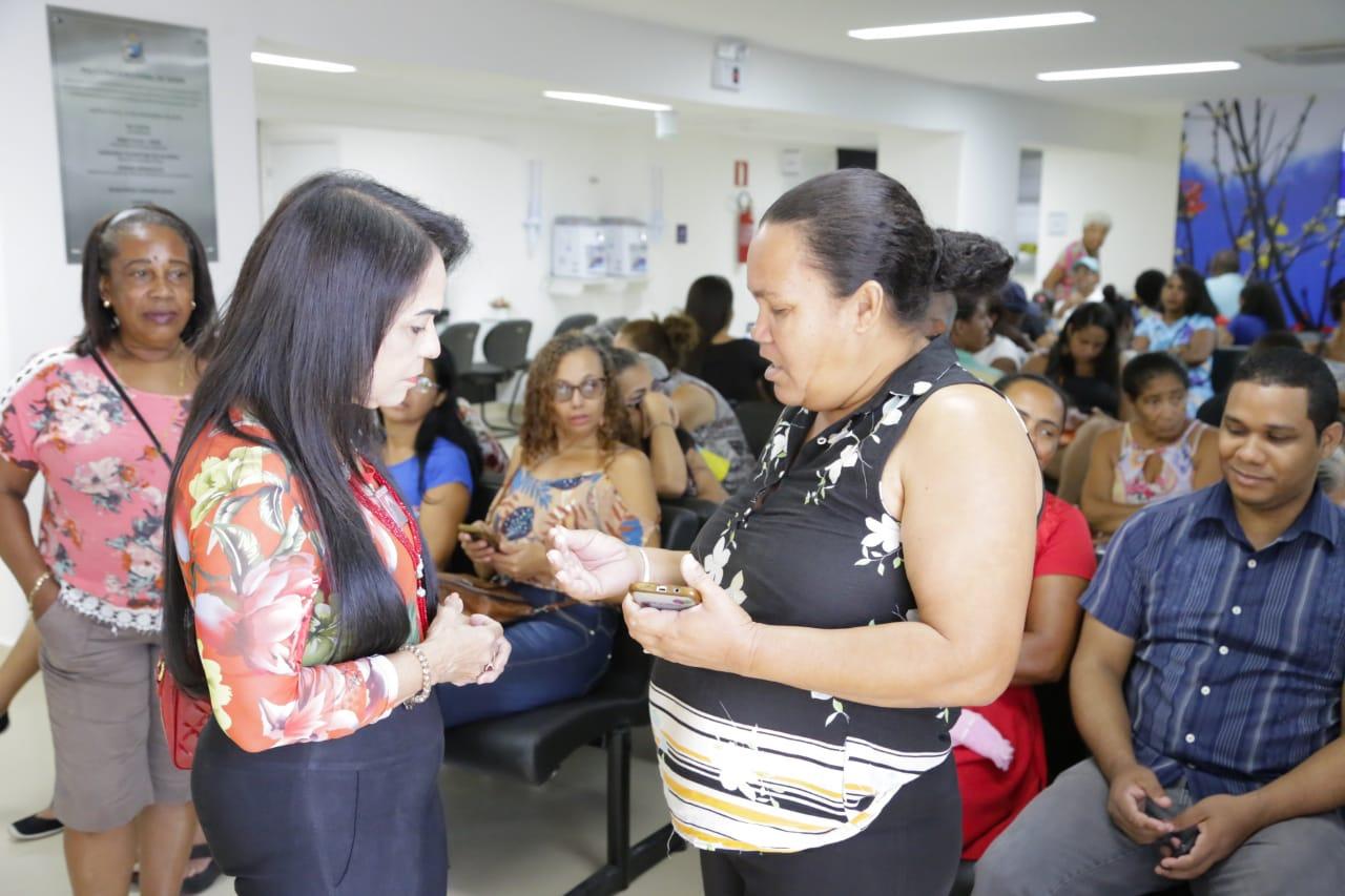 Pacientes de Lauro de Freitas destacam conforto e segurança na primeira viagem para a Policlínica Regional de Saúde